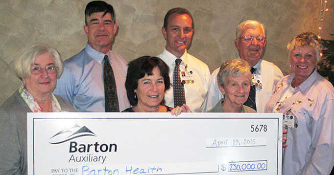 Auxiliary Donates $220,000 for New Mammography Machine and $10,000 for Hospice Care